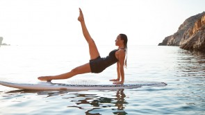 SUP-Pilates mit Carolina Torres in Cala Morell